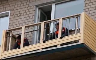 Jak a co vyzdobit balkon venku: výhody a bezpečnostní pravidla