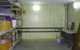 Ohřev vody v garáži: elektrickým bojlerem nebo kamny