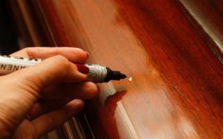 Škrábance na nábytku: jak čistit a jak opravovat